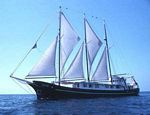 Galapagos Islands cruises, Alta sailing boat